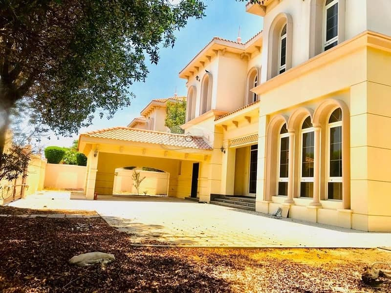 Spacious 6 bedroom plus maid  independent villa in Jumeirah 3