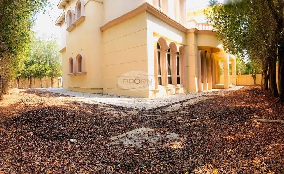 2 Spacious 6 bedroom plus maid  independent villa in Jumeirah 3