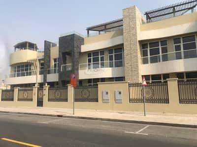 فیلا 4 غرف نوم للايجار في أم سقیم، دبي - Brand new finish modern 4 bedroom plus maid villa on the Beach