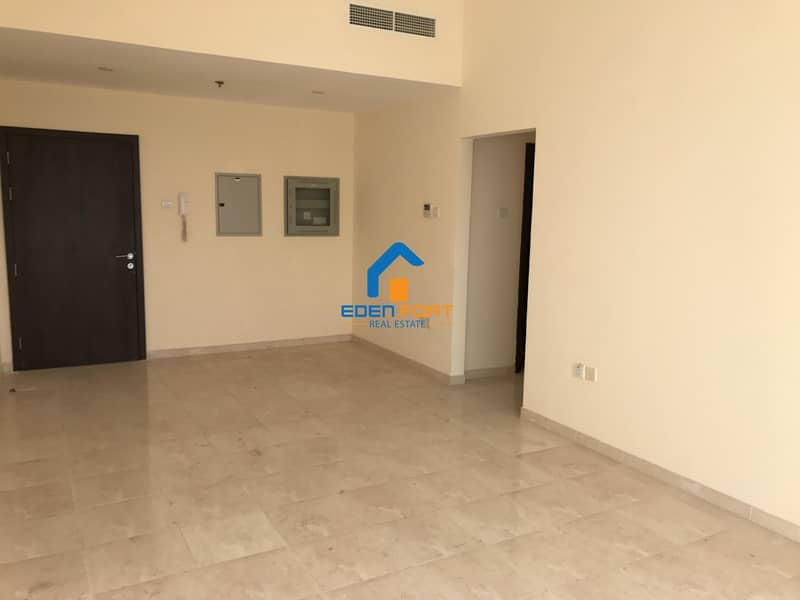 Huge 2 BHK IN CHAPION TOWER 1