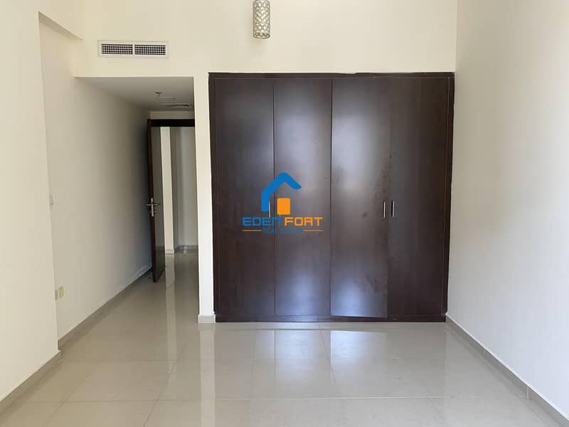 2 Huge One Bedroom Vacant Apartment For Sale