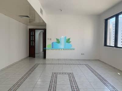 فلیٹ 2 غرفة نوم للايجار في شارع حمدان، أبوظبي - Very Nice 2 Bedrooms | small balcony | Call us now!