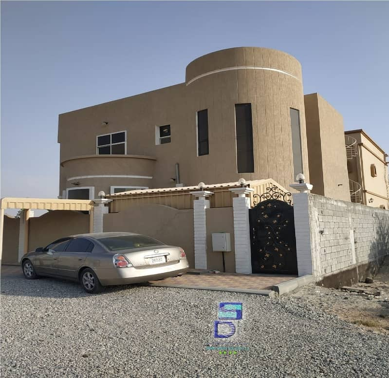 Villa for sale with electricity and water, super deluxe finishing, two streets corner