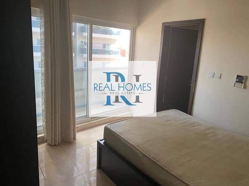 9 1 Bedroom with Balcony! Open Kitchen