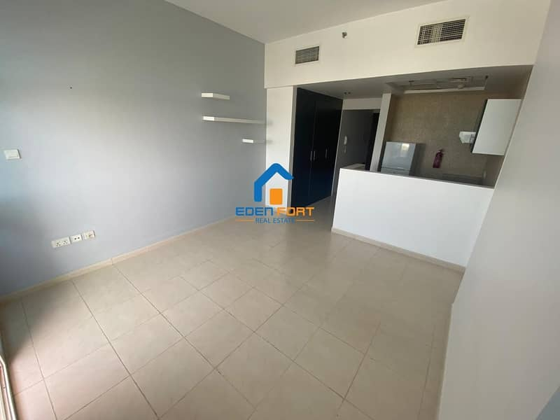 1 Beautiful Unfurnished Studio Apartment in Royal Residence 1 - DSC