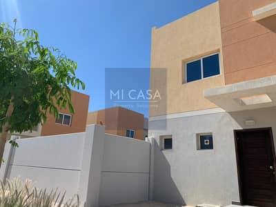 3 Bedroom Villa for Rent in Al Samha, Abu Dhabi - Corner Vibrant Villa! Spacious Rooms with Maid Room!