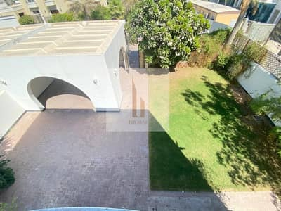 3 Bedroom Villa for Rent in Umm Suqeim, Dubai - Independent | 3BR+Private Garden+Outside Maids