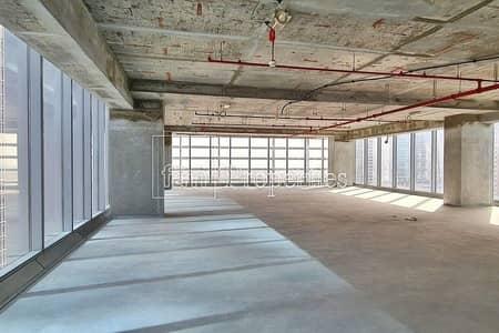 مکتب  للبيع في الخليج التجاري، دبي - Spacious Full-Floor Shell & Core | Walk to Metro