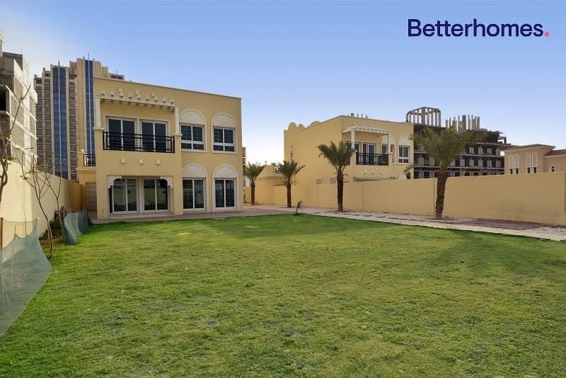 Beautiful large Nakheel Villas desirable address