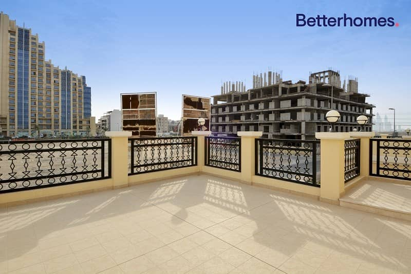 11 Beautiful large Nakheel Villas desirable address