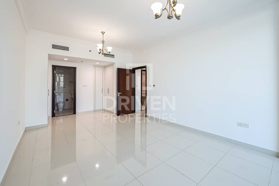 2 Large plus Maids Room | Full Canal Views