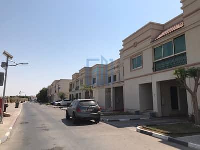 فیلا 3 غرف نوم للايجار في مدينة بوابة أبوظبي (اوفيسرز سيتي)، أبوظبي - Family Home with Space and Great Community