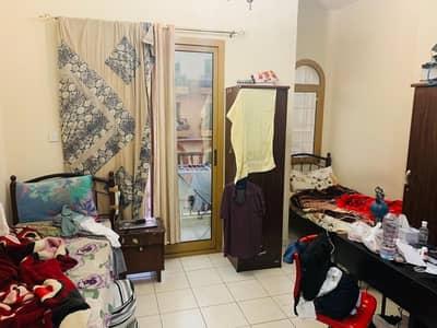 شقة 1 غرفة نوم للبيع في المدينة العالمية، دبي - غرفة نوم واحدة للبيع في إسبانيا مع