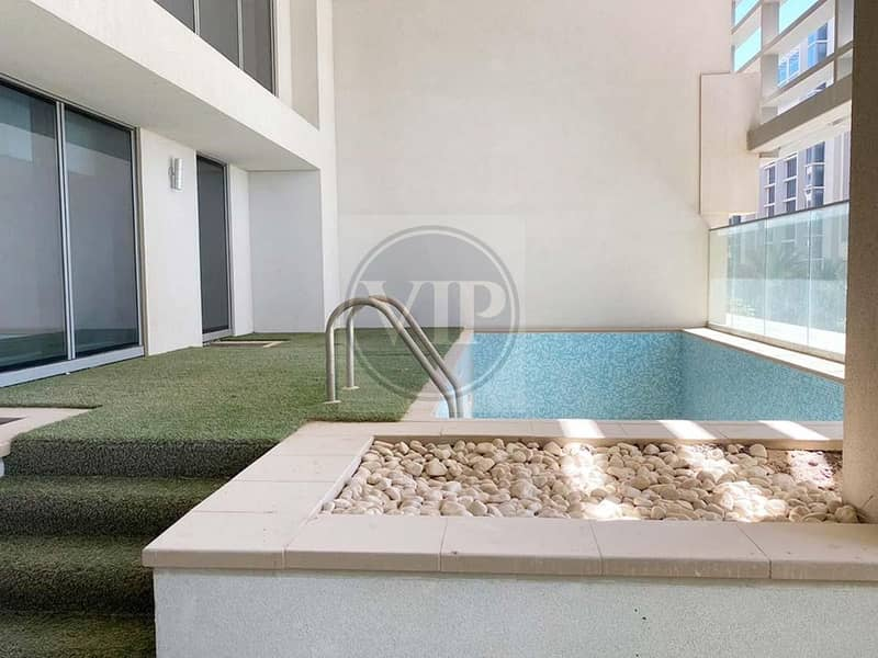 2 A Dazzling 5 Bedroom Villa + Maid's Room + Pool & Sea View