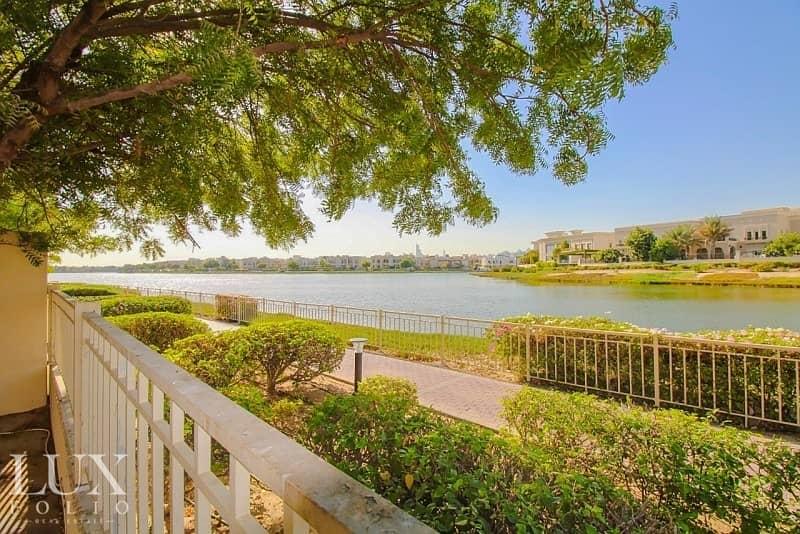25 Serene |Large Family Home| Lake View | Large Garden |