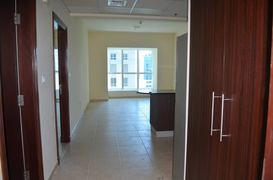 Well Maintained and High Floor Apartment