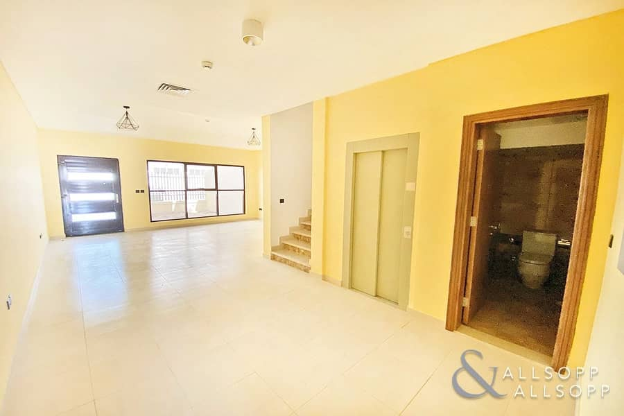 2 Four Bedrooms + Maids   Lift   Renovated