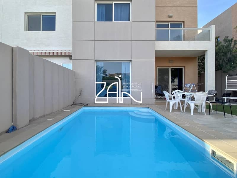 Corner Single Row 5 BR  Villa in Excellent Location