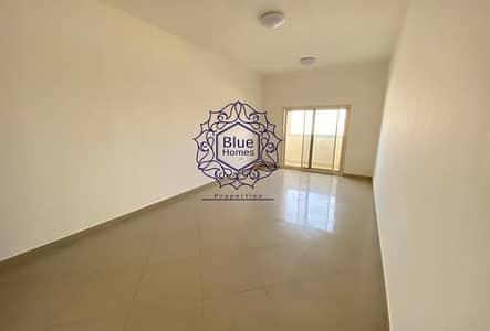 استوديو  للايجار في تجارية مويلح، الشارقة - 12 cheques payment biggest studio with balcony