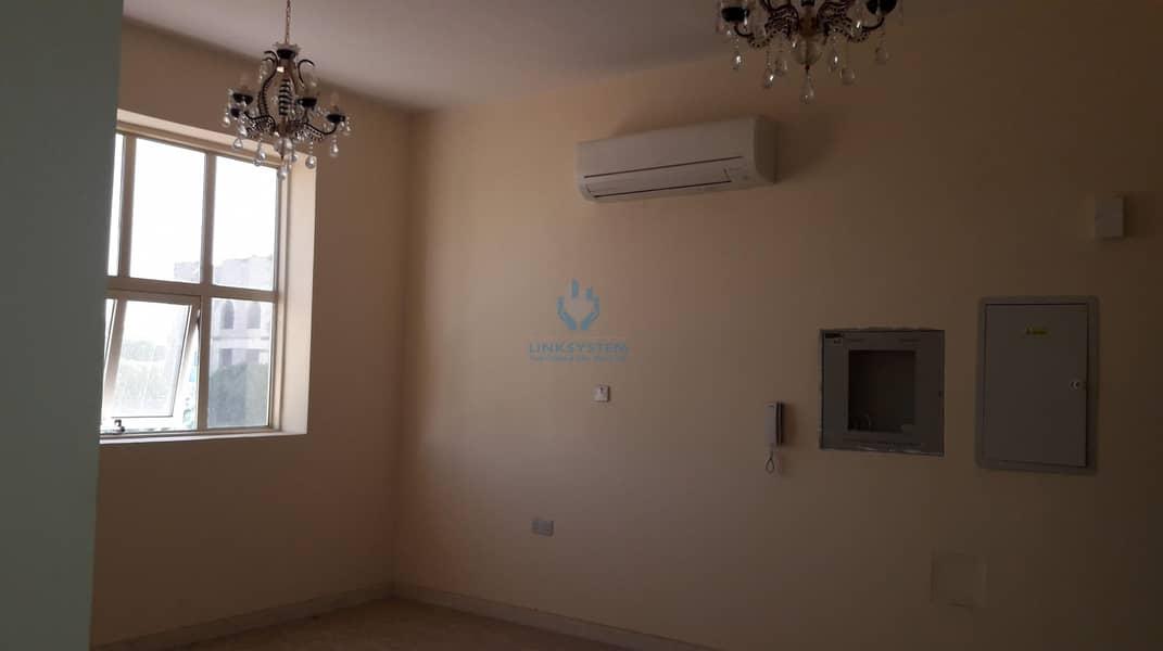 2 Nice Apartment 3 Bedrooms Hall in Al Markhaniaya