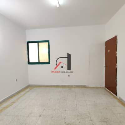 Studio for Rent in Al Wahdah, Abu Dhabi - Studio for 1800 Monthly behind Wahda Mall