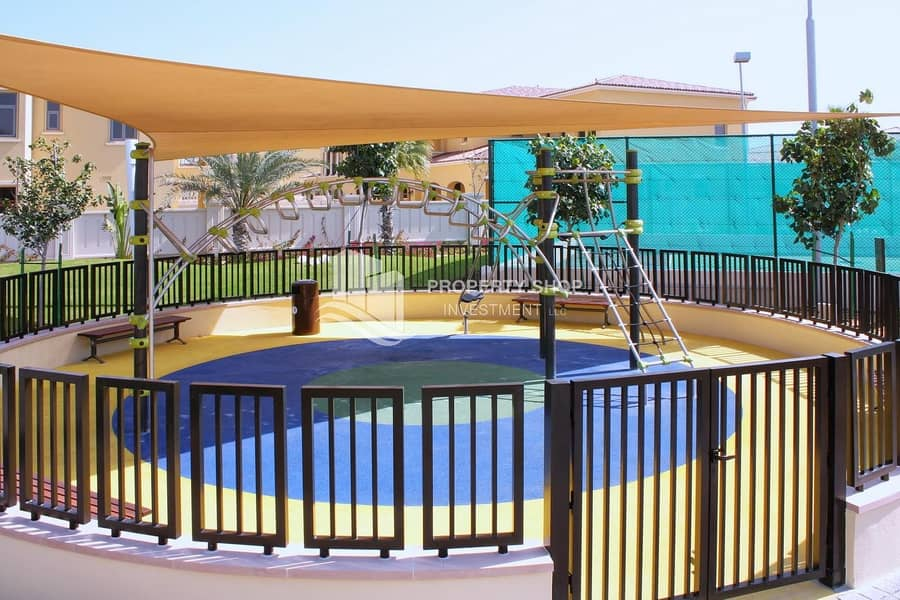 20 Deal For You!! Executive 4+Maid w/ Stylish Layout & Private Garden