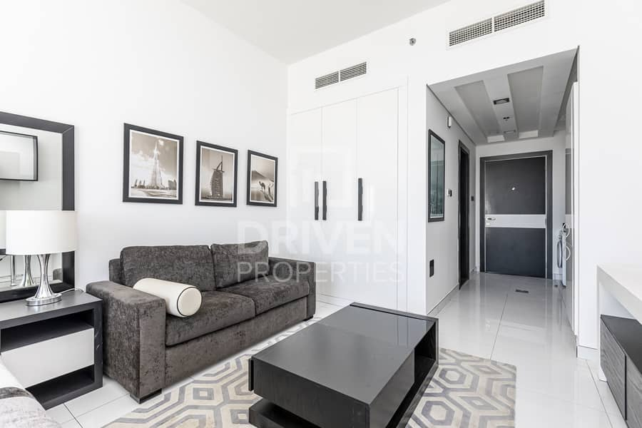 High Quality and Furnished on High Floor