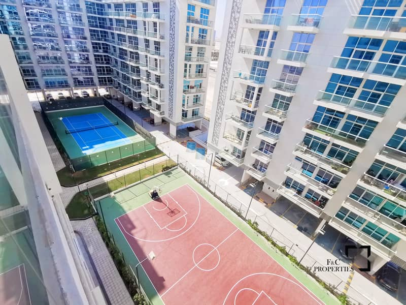 19 Vacant | Large Balcony | High floor