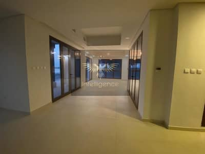 5 Bedroom Villa for Rent in Al Reem Island, Abu Dhabi - Perfect Family Home with a Direct Beach Access!