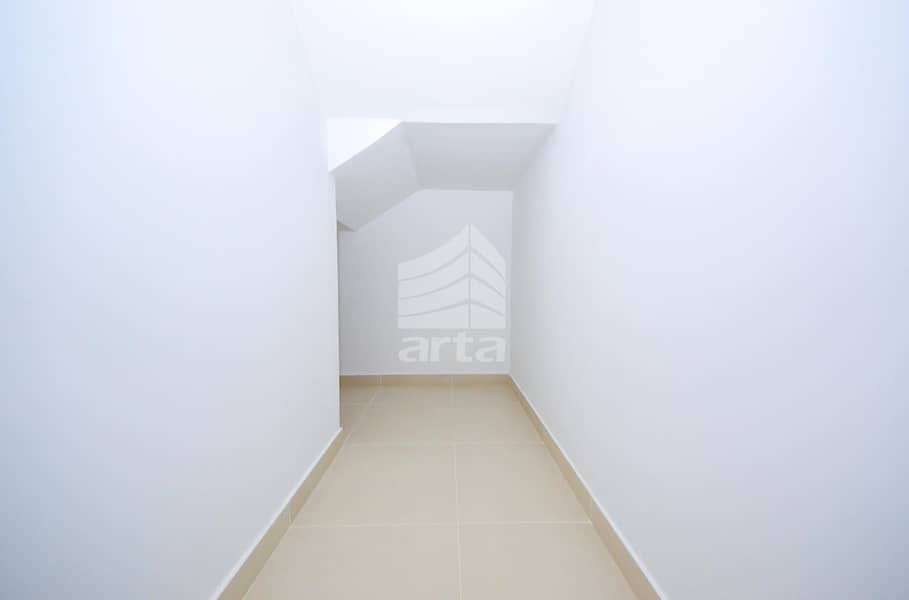 2 Ready to Move In Property with wardrobe