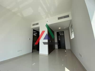 2 Bedroom Apartment for Rent in Al Reem Island, Abu Dhabi - Spacious 2 Bedroom with big Maid's Room