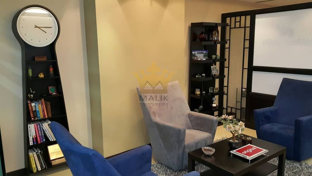 Fully Furnished Office for rent with 3 parkings