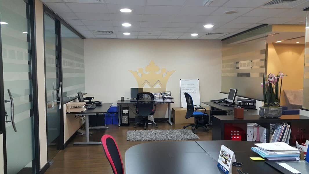 2 Fully Furnished Office for rent with 3 parkings