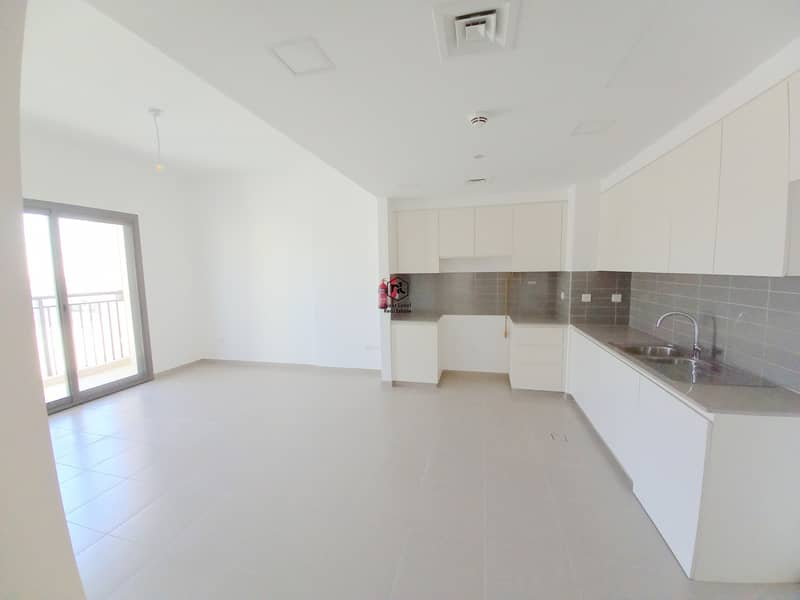 2 GORGEOUS BRAND NEW APARTMENT | 2 BED ROOM | BALCONY | PARKING | HAYAT | TOWN SQUARE