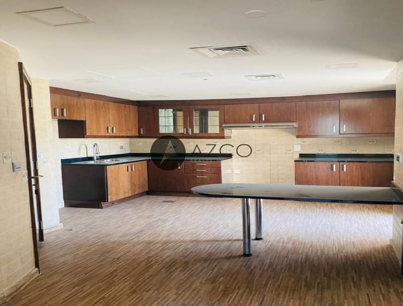 2 BEST FOR FAMILY 4BR UNIT I SPACIOUS OPEN KITCHEN I 3 PARKING SPACE