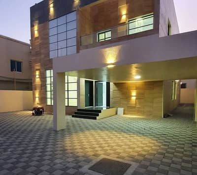 From the owner, a very luxurious villa with a design of palaces and super deluxe finishing at the highest level of finishes and an artist site opposite the mosque and very close to the public street with the possibility of freehold ownership for life for