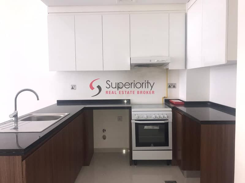 2 Unfurnished | With Parking | Available Chic 1Bedroom Apartment for Rent