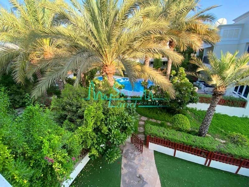MODERN|  BRIGHT  5 BED|PRIVATE GARDEN SHARED POOL GYM  (1074)
