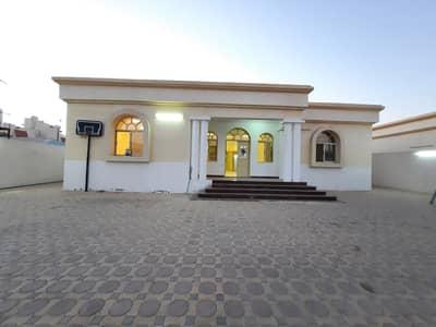 فیلا 3 غرف نوم للايجار في مشيرف، عجمان - فیلا في مشيرف 3 غرف 80000 درهم - 4836871