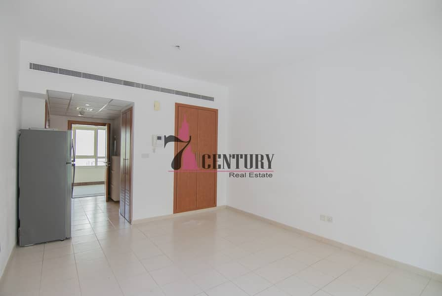 2 Studio Apt   Greens   Well Maintained   Exclusive!