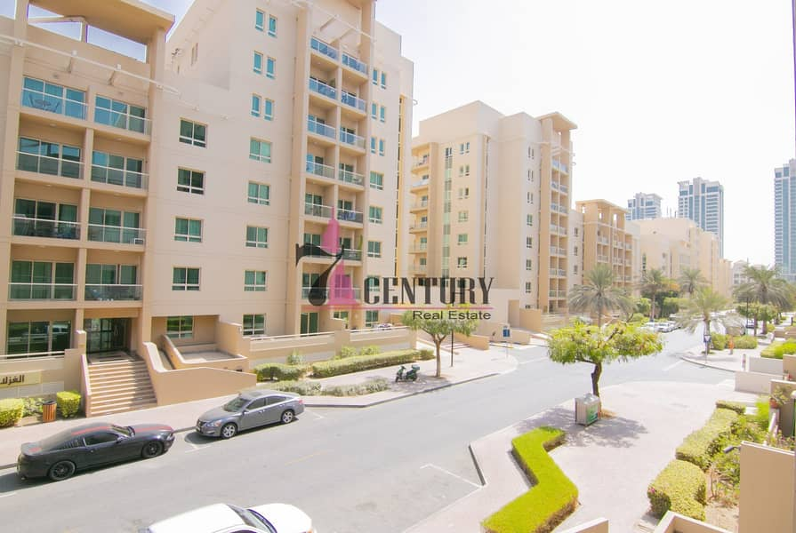 12 Studio Apt   Greens   Well Maintained   Exclusive!