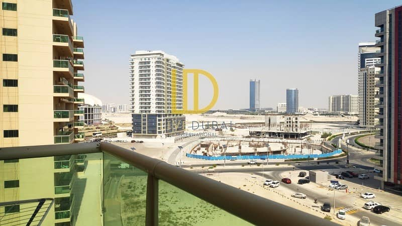 Vacant | With Balcony | Open View |Kitchen Equipped HL