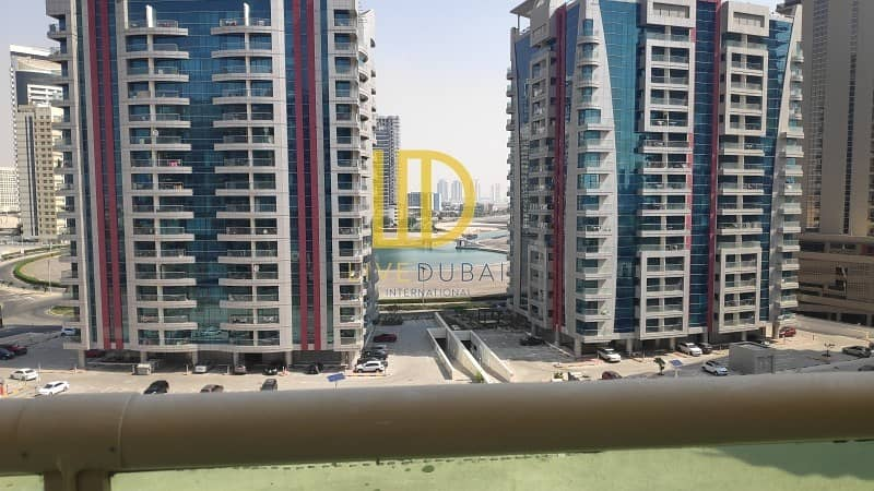 2 Vacant | With Balcony | Open View |Kitchen Equipped HL