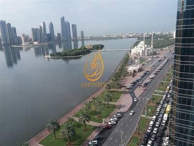 فلیٹ 4 غرف نوم للايجار في المجاز، الشارقة - Stunning view chiller free 4bhk in 75k only