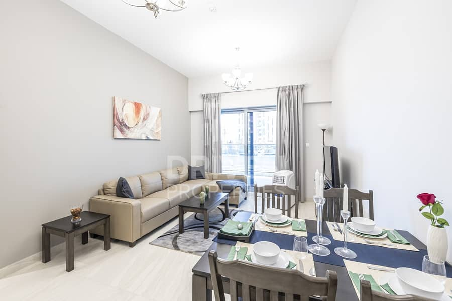 Fully Furnished 1 Bed | Partial Lake View