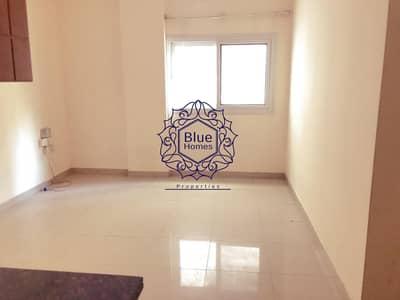 استوديو  للايجار في تجارية مويلح، الشارقة - 2 month free studio with separate kitchen