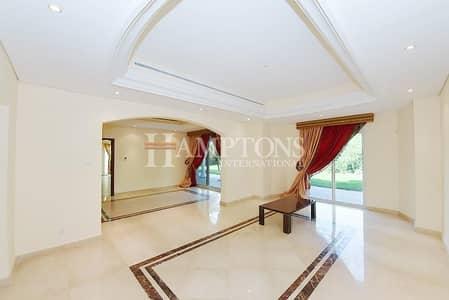 Villa on Huge Plot   Corner Unit   Rented