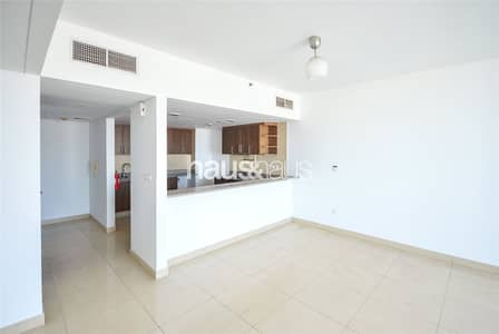 Unfurnished 1 Bedroom Laguna Tower Available Now