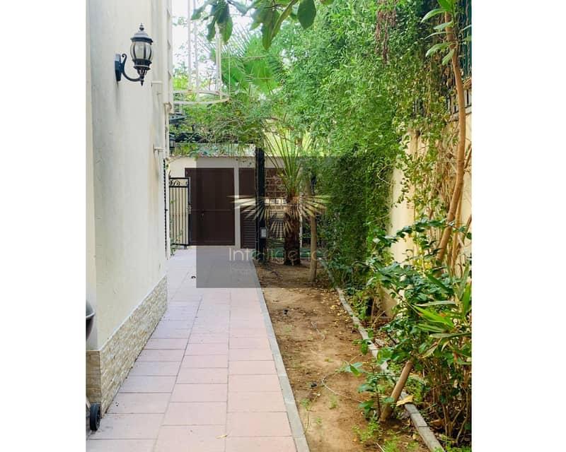 2 Unfurnished Stylish Elegant Villa w/ Private Garden