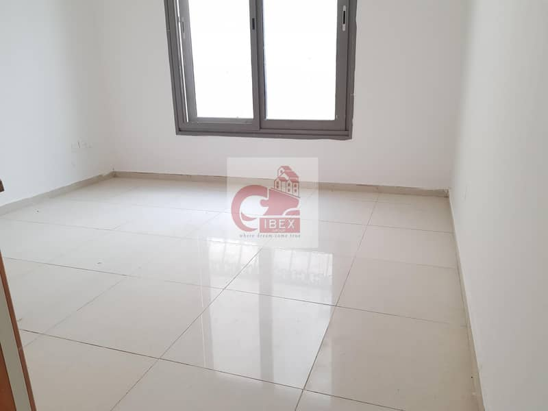 Very Nice Huge Size Good Size Good Studio Affordable Just 10k In Muwaileh Sharjah